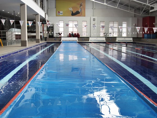 Power plastics industrial swimming pool covers power plastics for Swimming pool covers south africa