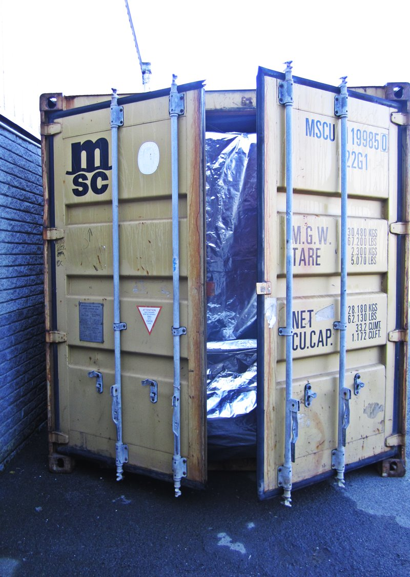 Thermal container liner fitment